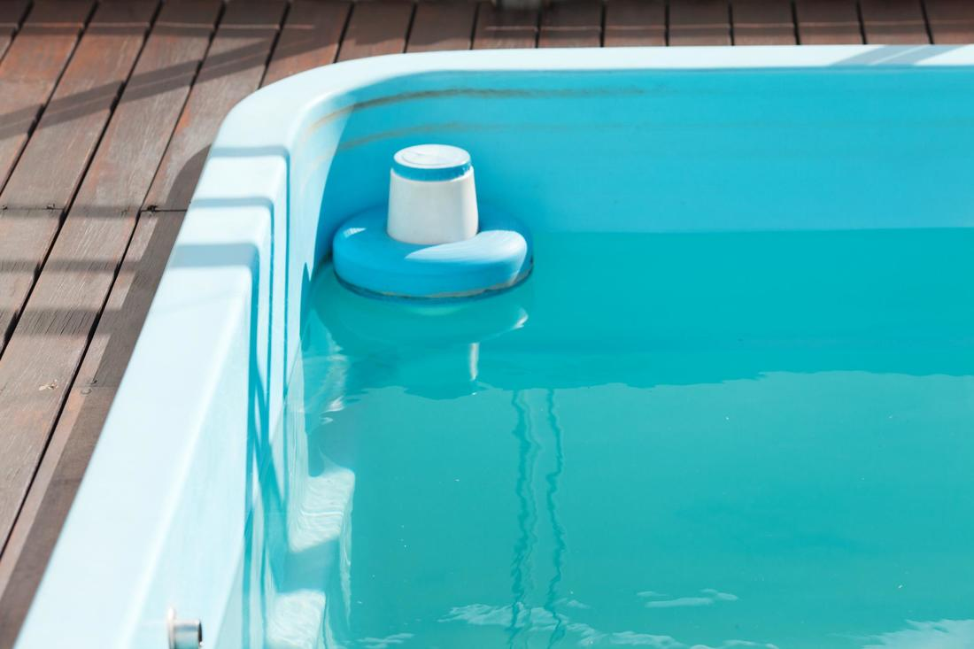 Pool Cleaning Service Roseville, Water Test and ​Chemical Treatment